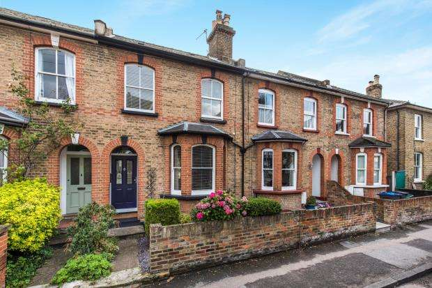 3 Bedrooms Terraced House for sale in Kingston Upon Thames, Surrey, England