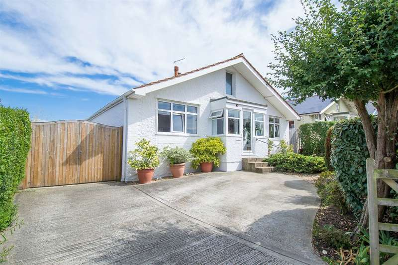 3 Bedrooms Detached Bungalow for sale in St. Annes Road, Tankerton, Whitstable
