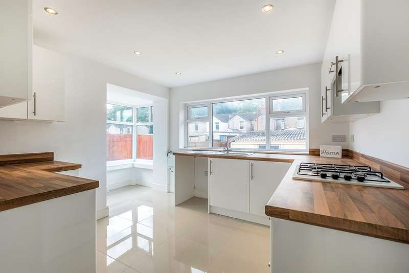 3 Bedrooms Terraced House for sale in Hunter Street, Briton Ferry, Neath