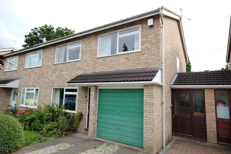 3 Bedrooms Semi Detached House for sale in Dilmore Avenue, Fernhill Heath, Worcester, WR3