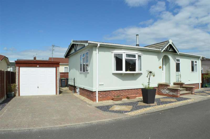 2 Bedrooms Park Home Mobile Home for sale in Claremont Park, Sleaford