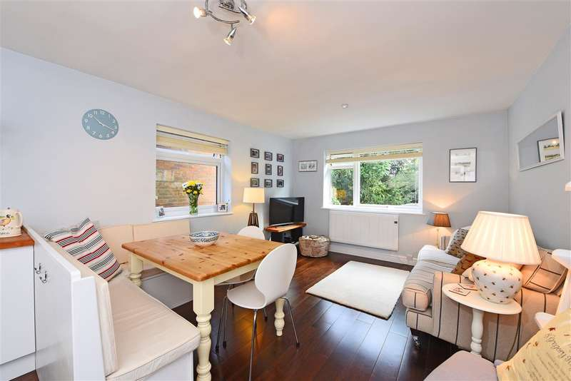 2 Bedrooms Apartment Flat for sale in Wellesley House, 27 Denmark Avenue, Wimbledon