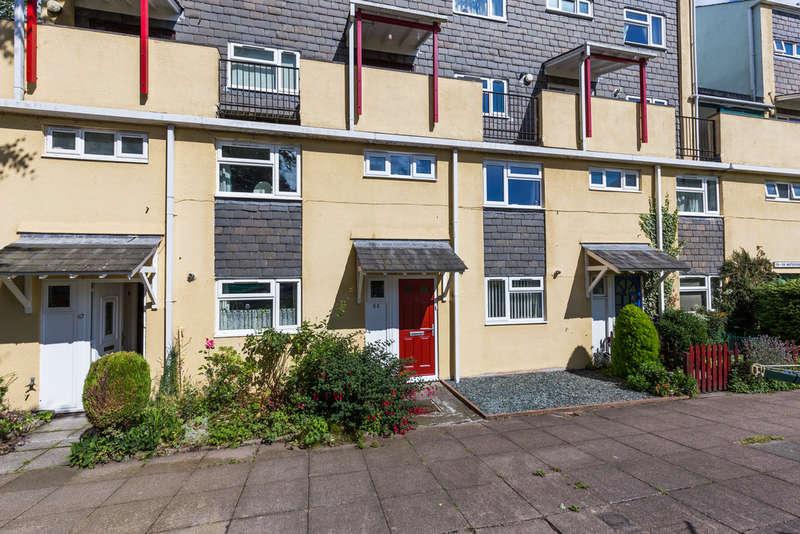 3 Bedrooms Maisonette Flat for sale in 65 Waterside, Kendal, Cumbria, LA9 4EX