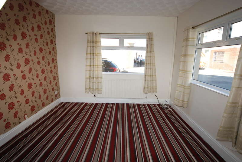 3 Bedrooms Terraced House for sale in Warwick Street, Barrow-in-Furness, Cumbria, LA14 5HT