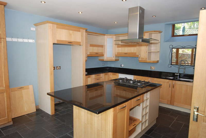 2 Bedrooms Mews House for sale in Millwood Lane, Barrow-in-Furness, Cumbria, LA14 4PY