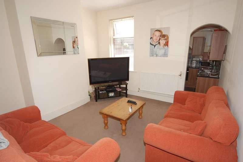 2 Bedrooms Terraced House for sale in Napier Street, Barrow-in-Furness, Cumbria, LA14 5SZ
