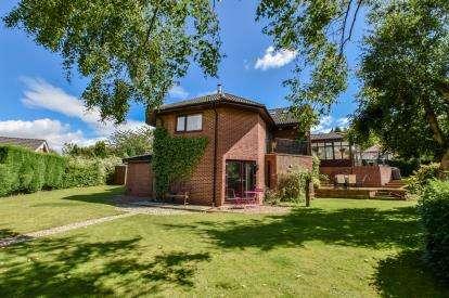 5 Bedrooms Detached House for sale in Parklands, Darras Hall, Ponteland, Northumberland, NE20