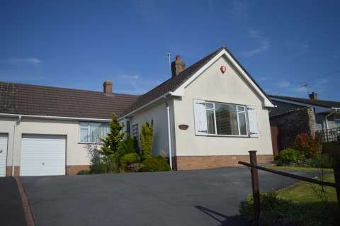 2 Bedrooms Semi Detached Bungalow for sale in Moor Lane, Hutton, Weston-Super-Mare