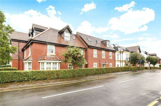 1 Bedroom Apartment Flat for sale in Penn House, Jennery Lane, Burnham