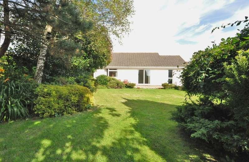 3 Bedrooms Detached Bungalow for sale in Long Park, Modbury, Devon