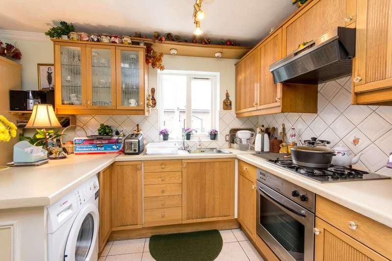 2 Bedrooms Flat for sale in Lanark Road, Maida Vale, W9