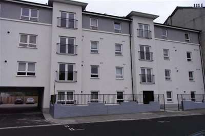 2 Bedrooms Flat for rent in Barnabas Court, Castle Street, Paisley