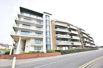 2 Bedrooms Flat for sale in The Point, Marina Close, Boscombe