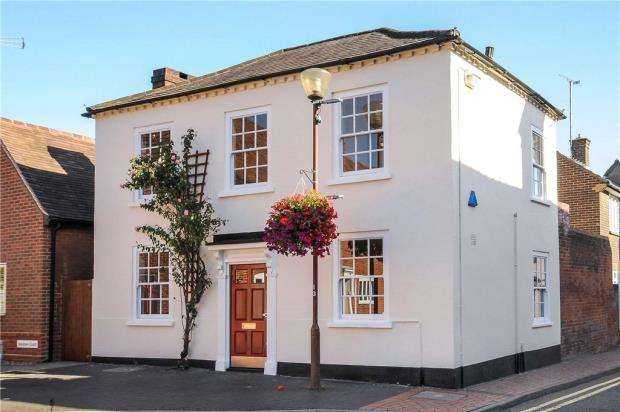 2 Bedrooms Apartment Flat for sale in Rose Street, Wokingham, Berkshire