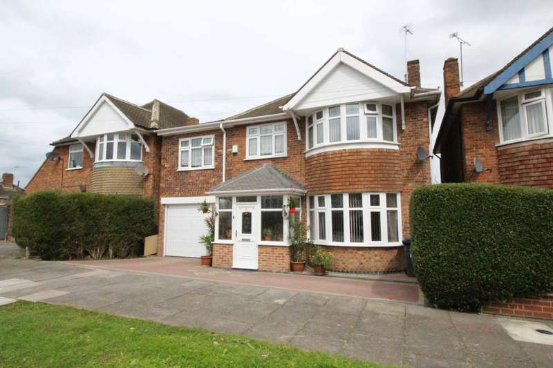 4 Bedrooms Detached House for sale in Summerlea Road, Evington
