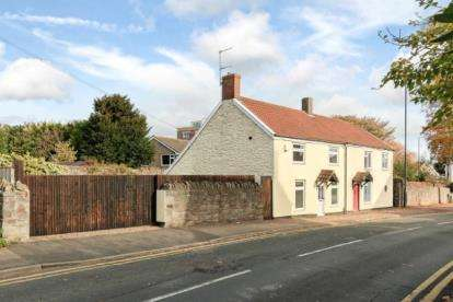 2 Bedrooms Semi Detached House for sale in Pilgrim Cottage, Cleeve Road, Downend, Bristol