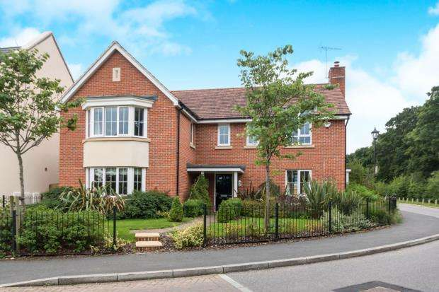 5 Bedrooms Detached House for sale in Hartley Wintney, Hampshire