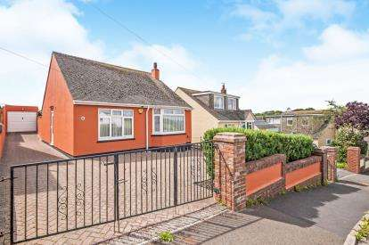 2 Bedrooms Bungalow for sale in Marldon, Paignton, .