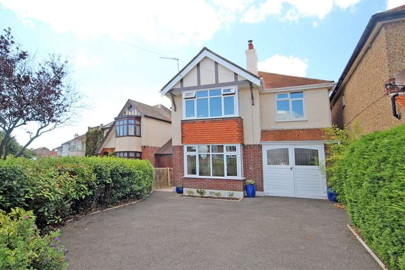4 Bedrooms Detached House for sale in Saxonbury Road, Southbourne, Bournemouth