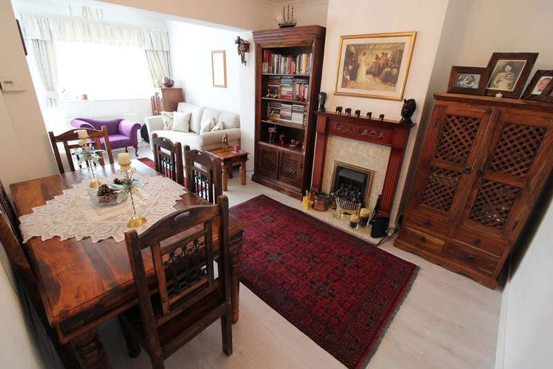 4 Bedrooms End Of Terrace House for sale in Shirley Grove, Edmonton, London, UK, N9 8EP