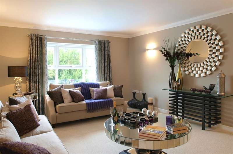 3 Bedrooms End Of Terrace House for sale in Rusper Road, Horsham, West Sussex