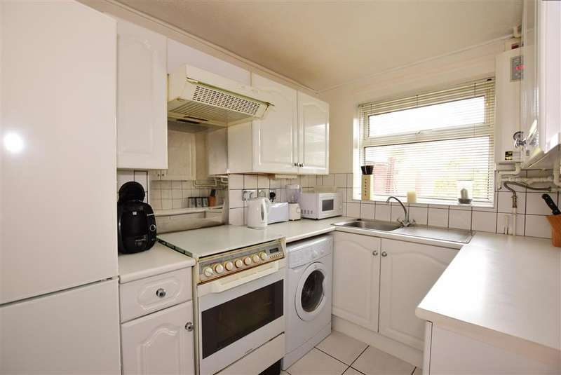 3 Bedrooms Semi Detached House for sale in Croydon Close, Lords Wood, Chatham, Kent