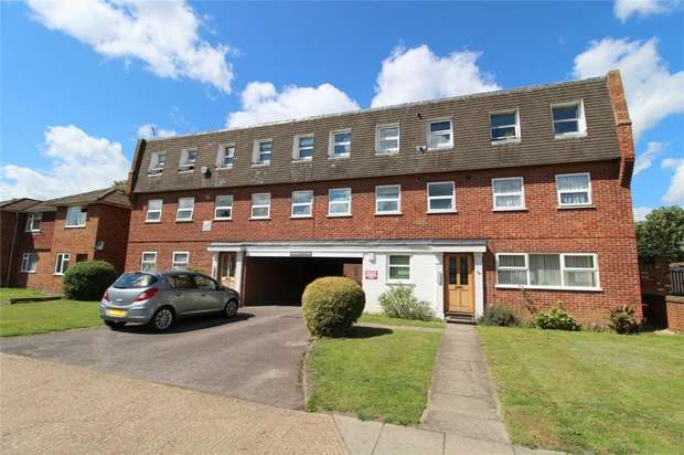 1 Bedroom Flat for sale in Woodthorpe Road, Ashford, Middlesex