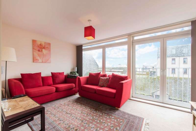 2 Bedrooms Flat for sale in Mearns Street, Aberdeen, Aberdeenshire, AB11 5ER