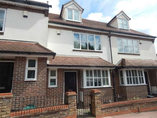 3 Bedrooms Town House for sale in Elmers End Road, Beckenham, Kent