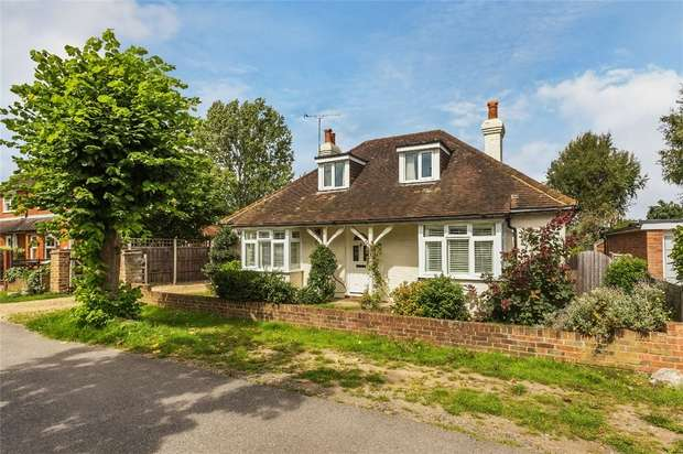 3 Bedrooms Detached Bungalow for sale in Ripley, Woking, Surrey