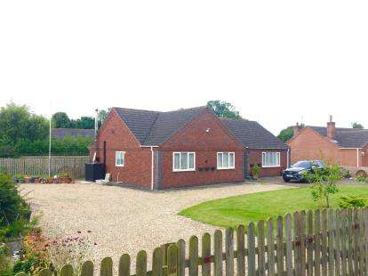 3 Bedrooms Bungalow for sale in Cole Lane, Boston, Lincs, England