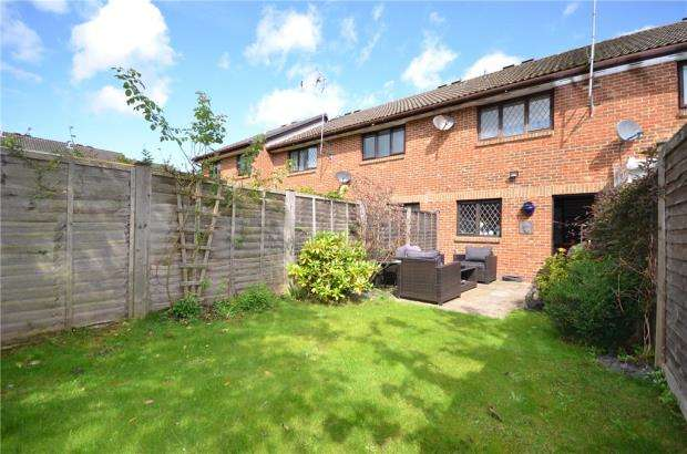 2 Bedrooms Terraced House for sale in Oleander Close, Crowthorne, Berkshire