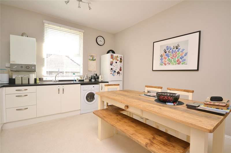 3 Bedrooms Apartment Flat for sale in Granville Road, North Finchley, London, N12