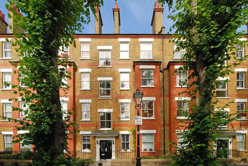 2 Bedrooms Flat for sale in Grove Place, Hampstead, NW3