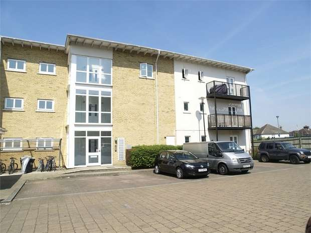 2 Bedrooms Flat for sale in Revere Way, Ewell Village