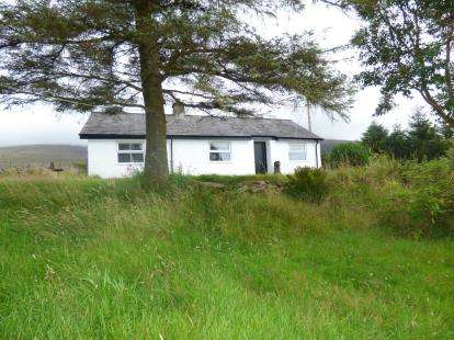2 Bedrooms Detached House for sale in Penyffridd, Nebo, Caernarfon, Gwynedd, LL54