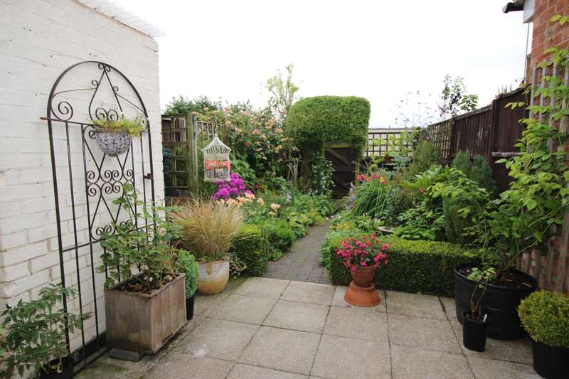 2 Bedrooms Terraced House for sale in The Mews, Main Street, Botcheston