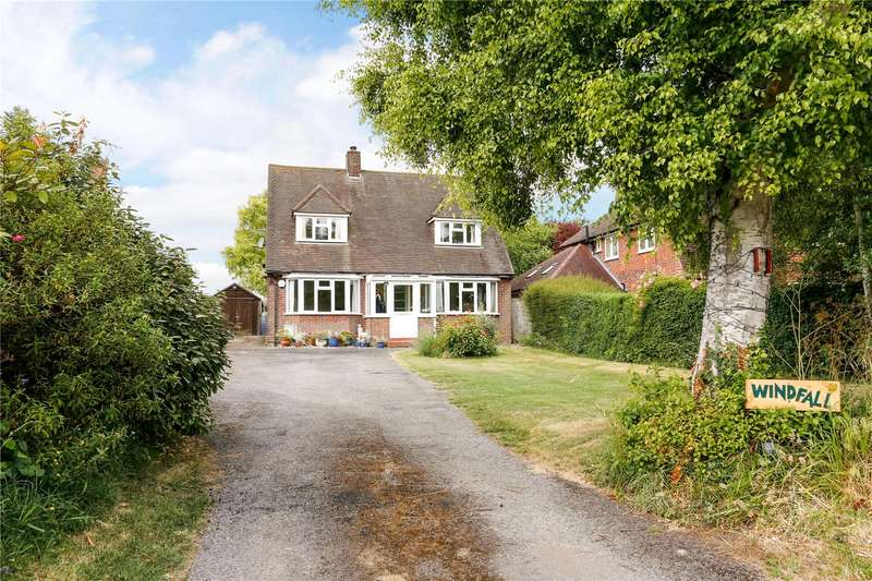 3 Bedrooms Detached House for sale in Chalkshire Road, Butlers Cross, Aylesbury, Buckinghamshire, HP17