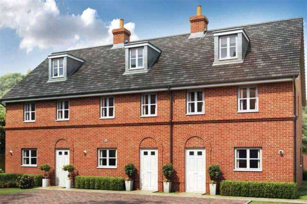3 Bedrooms End Of Terrace House for sale in Oakham Park, Old Wokingham Road, Crowthorne
