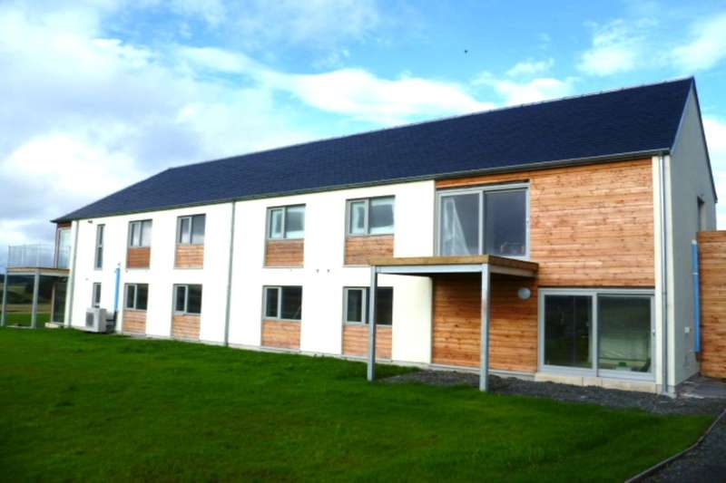 2 Bedrooms Flat for sale in Newton Of Buttergrass, Blackford, Auchterarder, PH4