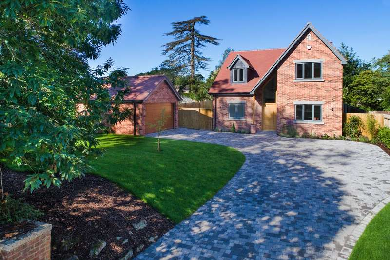 4 Bedrooms Detached House for sale in Canford Magna