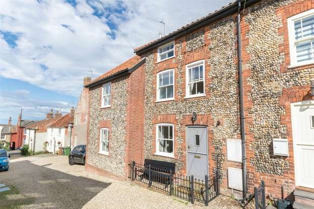 3 Bedrooms End Of Terrace House for sale in 9 Mindhams Yard, Wells-next-the-Sea