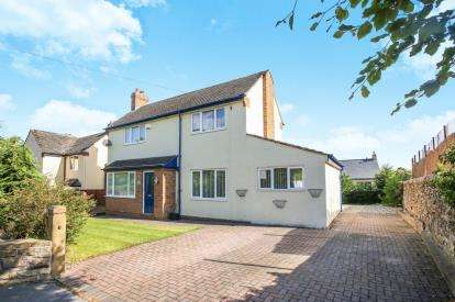 3 Bedrooms Detached House for sale in Church Lane, New Mills, High Peak, Derbyshire