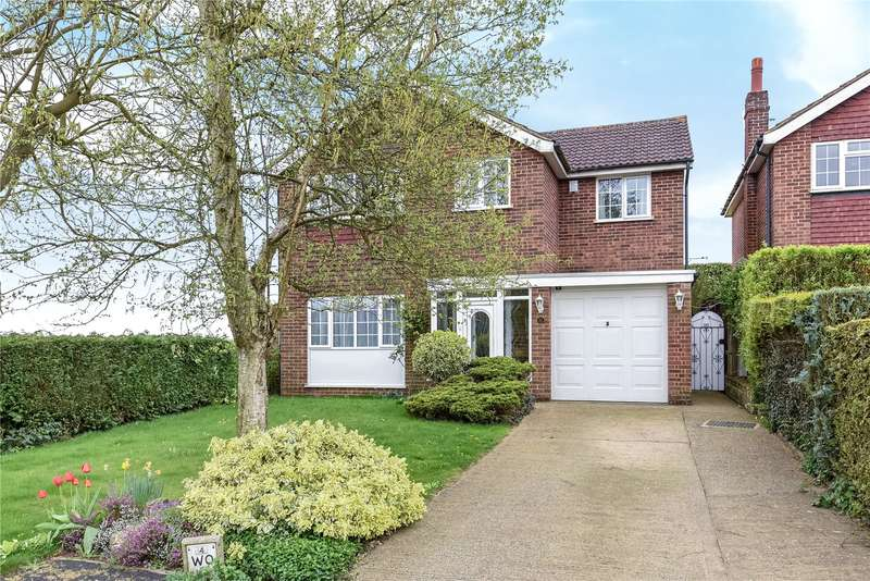 4 Bedrooms Detached House for sale in Birch Drive, Maple Cross, Hertfordshire, WD3