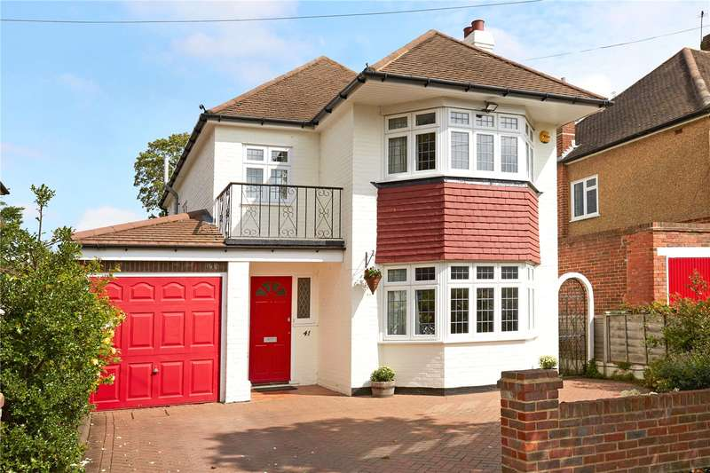 4 Bedrooms Detached House for sale in Chaffers Mead, Ashtead, Surrey, KT21