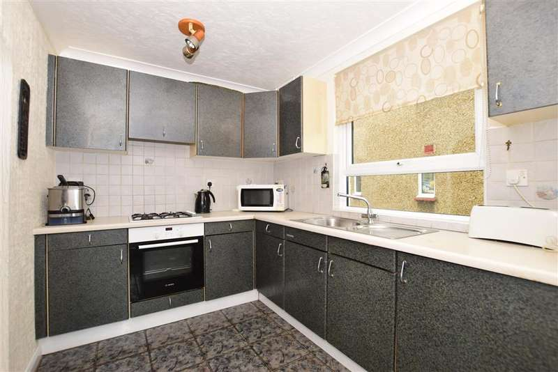 3 Bedrooms End Of Terrace House for sale in Wye Road, Gravesend, Kent