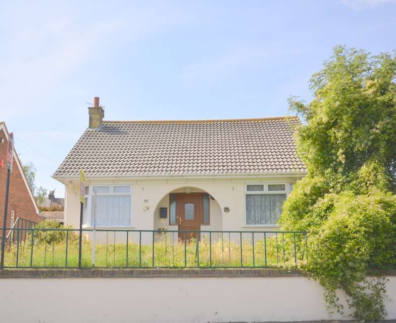 3 Bedrooms Bungalow for sale in Park Crescent Road, Margate, Kent, CT9 1UE
