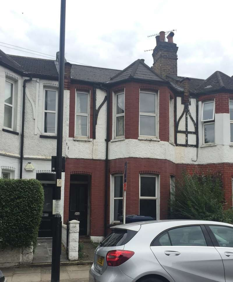 2 Bedrooms Flat for sale in Southfield Road, Chiswick, London, W4 5LB