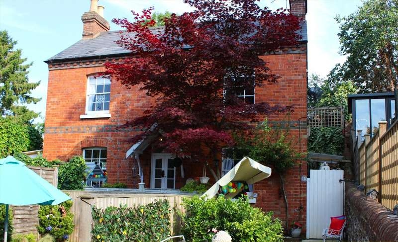 3 Bedrooms Detached House for sale in Greys Road, Henley-On-Thames, RG9