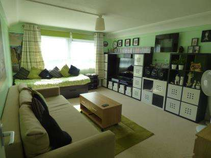 2 Bedrooms Flat for sale in All Saints Road, Portsmouth, Hampshire